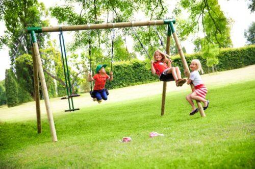 נדנדת עץ קלאסית לילדים תוצרת Horby Bruk שוודיה